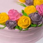 Торт овальный с розами