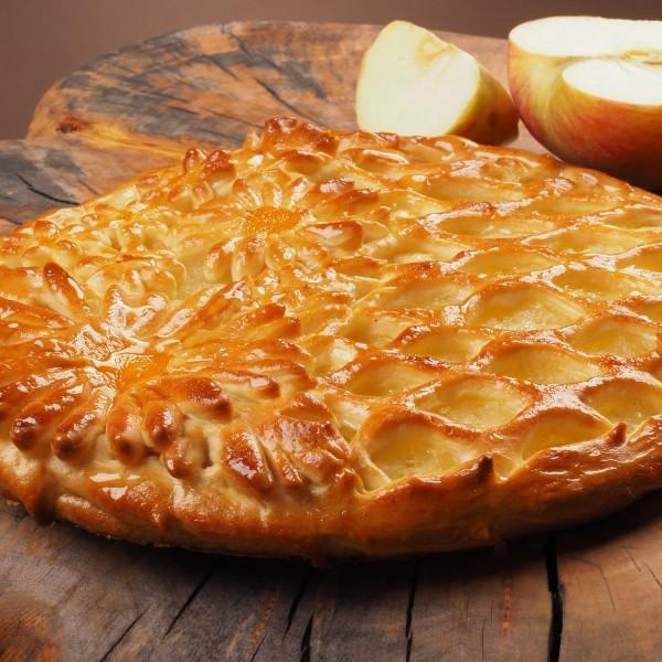 Пирог дрожжевой с яблоком