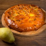 Пирог дрожжевой груша с карамелью