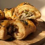 Пирог слоёный Средиземноморский тушёной говядиной и овощами