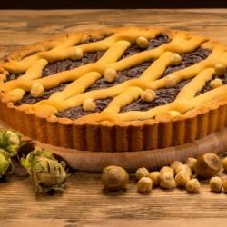 Пирог из песочного теста с шоколадно-ореховой начинкой