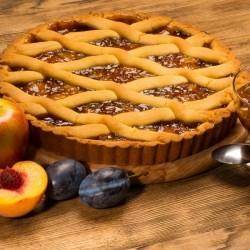 Пирог из песочного теста с персиком