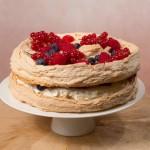 Торт монако со свежими ягодами