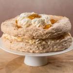Торт монако с персикои и маракуйей