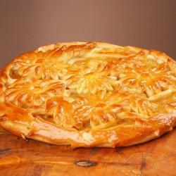 Пирог дрожжевой с яблоком и персиком