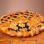 Пирог дрожжевой с черникой
