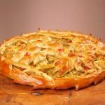 Пирог дрожжевой с мясом и капустой