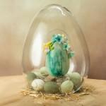 Шоколадное пасхальное яйцо с цветами