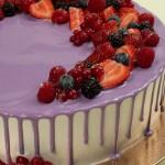 Торт Праздничный со свежими ягодами